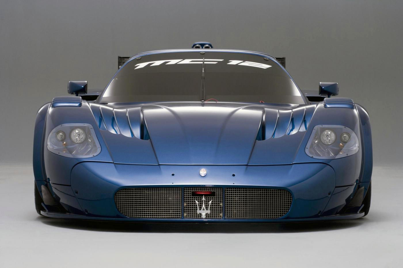 2006 Maserati MC12 Versione Corse - front view of the track car