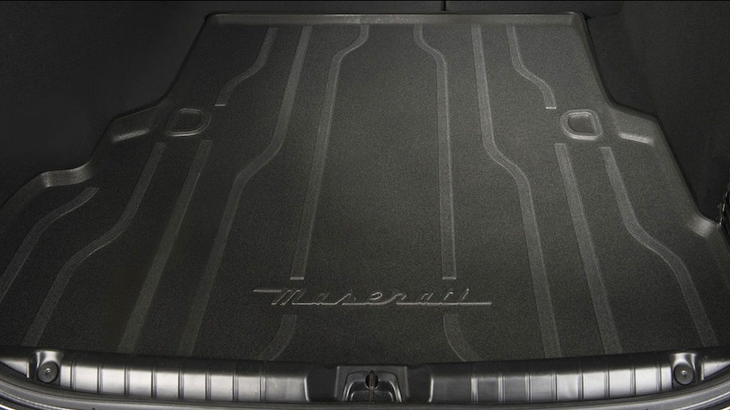 Luggage compartment mat details of a Maserati Ghibli