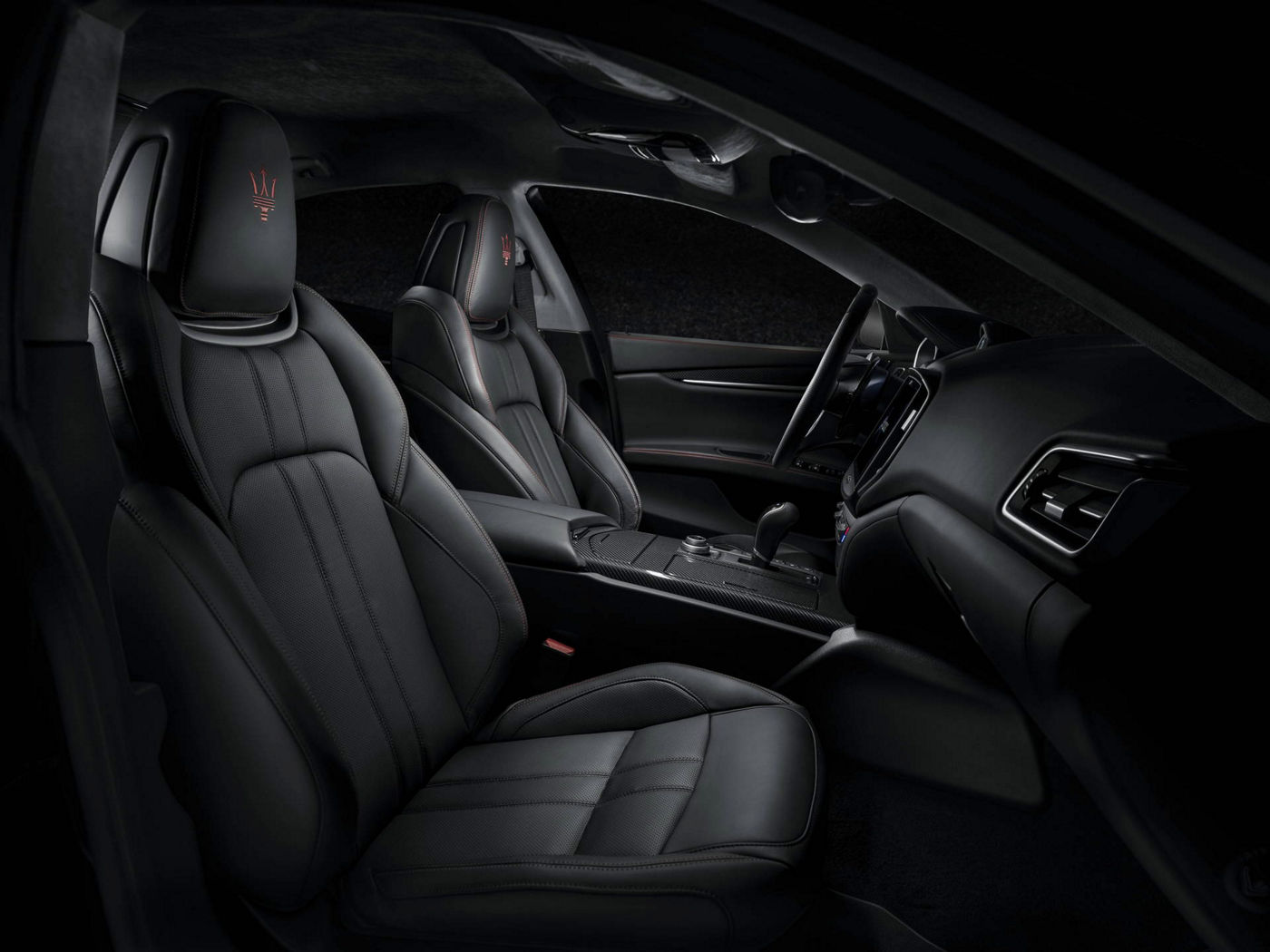 Maserati Ghibli GranSport 2018 - berline luxe - sièges avant cuir noir