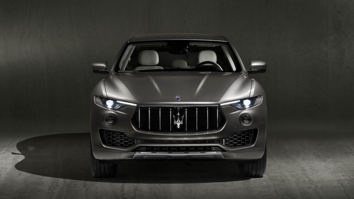 Maserati Levante GranLusso - grey version, front view