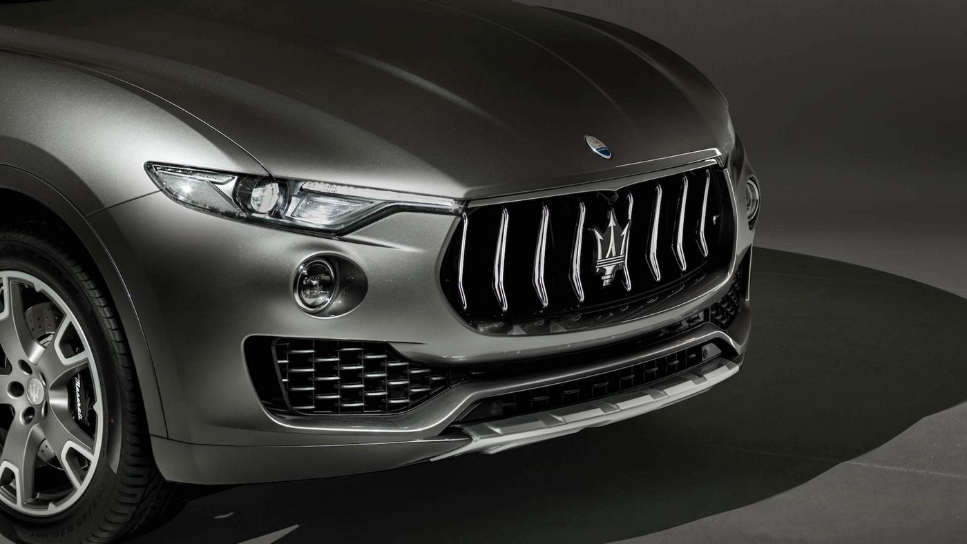 Maserati Levante GranLusso exterior details, front view and lights