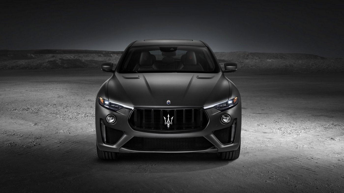 Maserati Levante Trofeo - Carrosserie gris mat - Vue frontale
