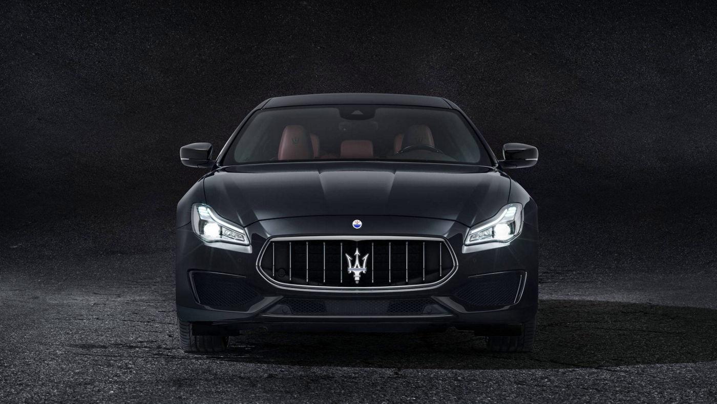 Maserati Quattroporte GranSport front view, black version