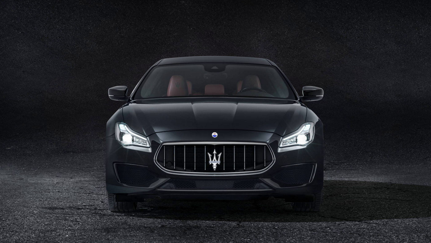 Maserati Quattroporte GranSport front view, black version