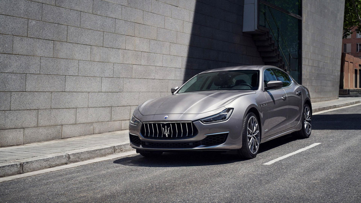 Maserati Ghibli - front view - on the road