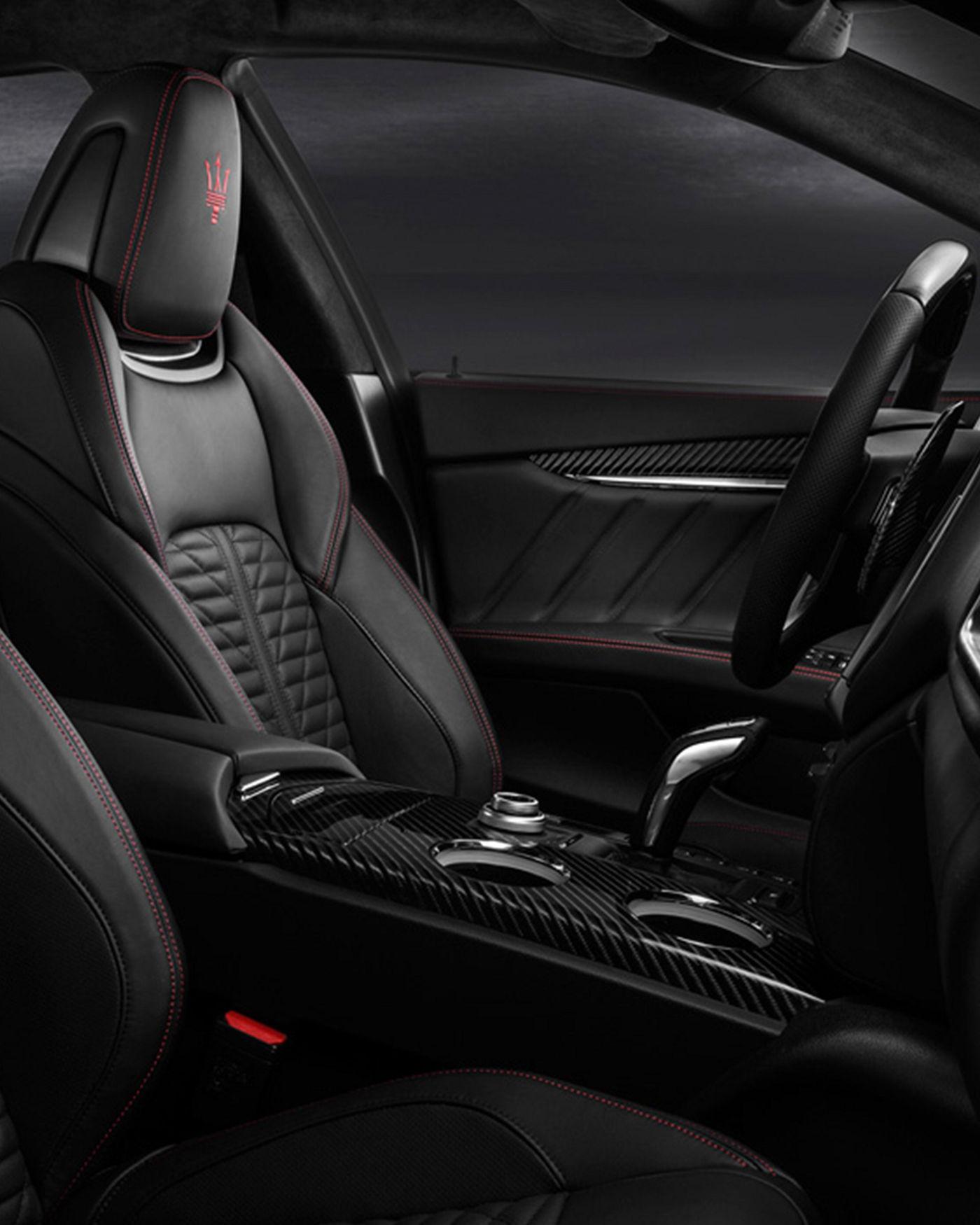 Maserati Ghibli GranSport interior – front seats