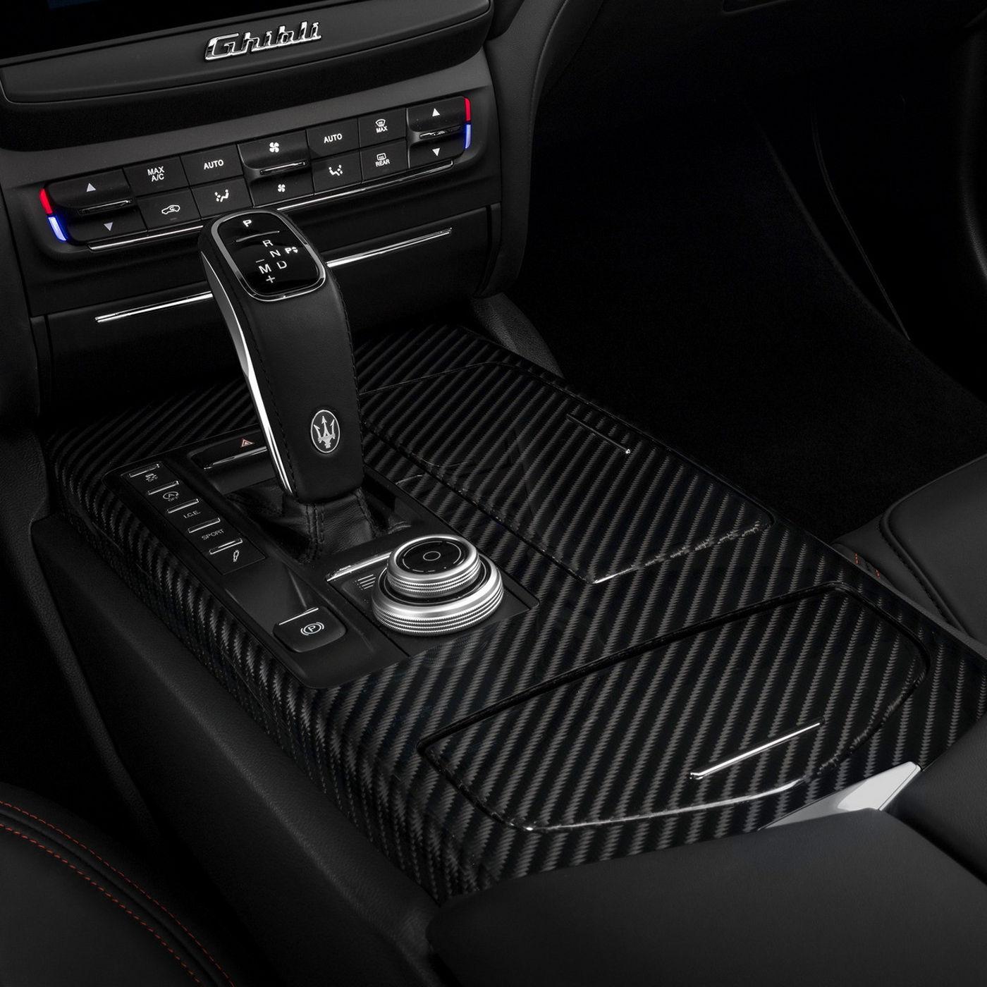 Maserati Ghibli - eight-speed automatic ZF transmission