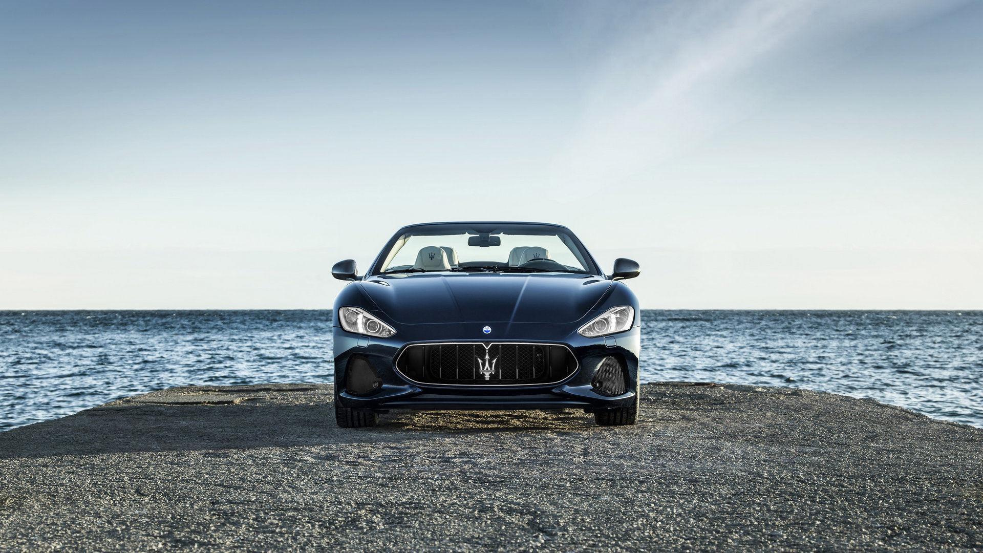 Blue Maserati GranTurismo Convertible - Front view