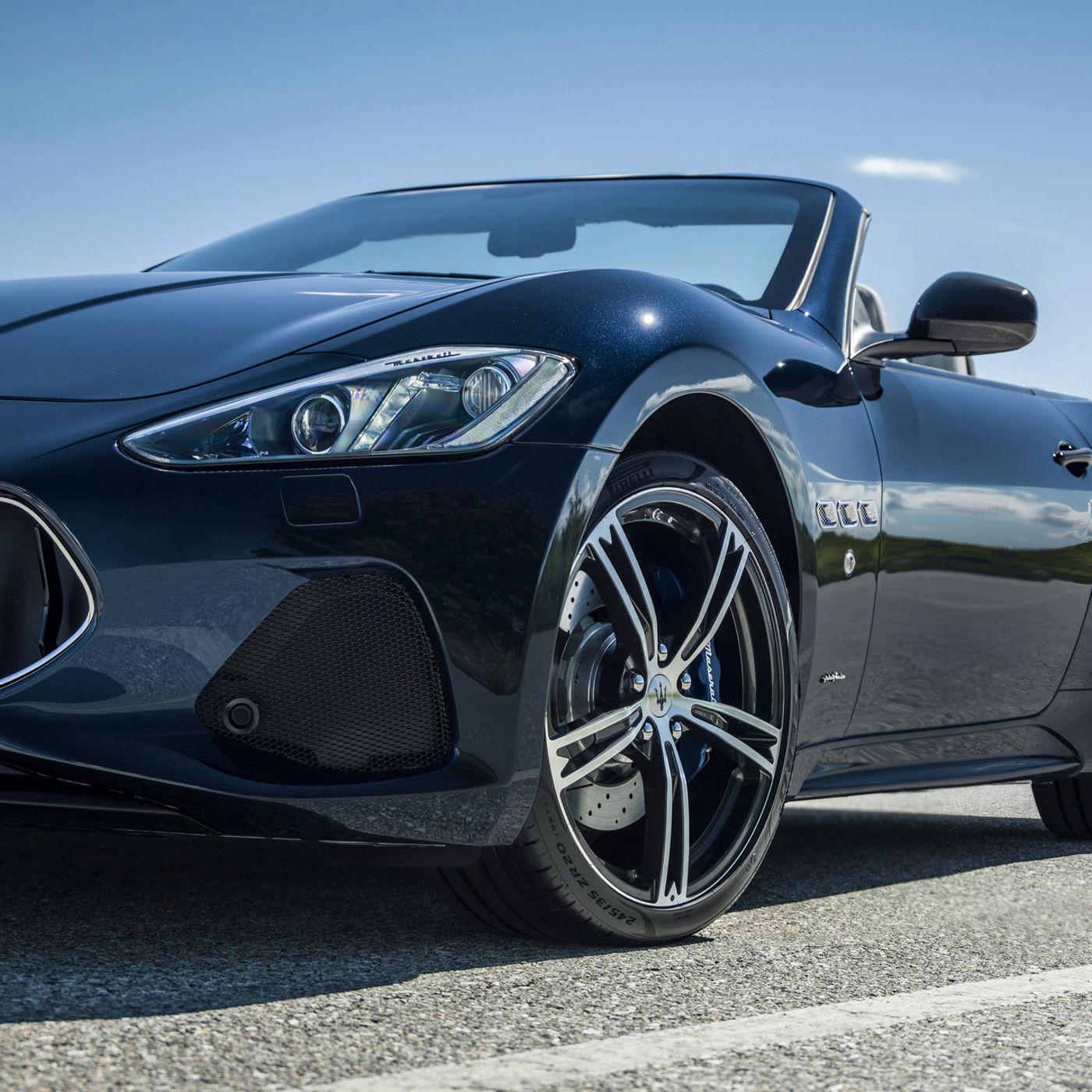 Maserati GranCabrio Rad und Scheinwerfer Detail