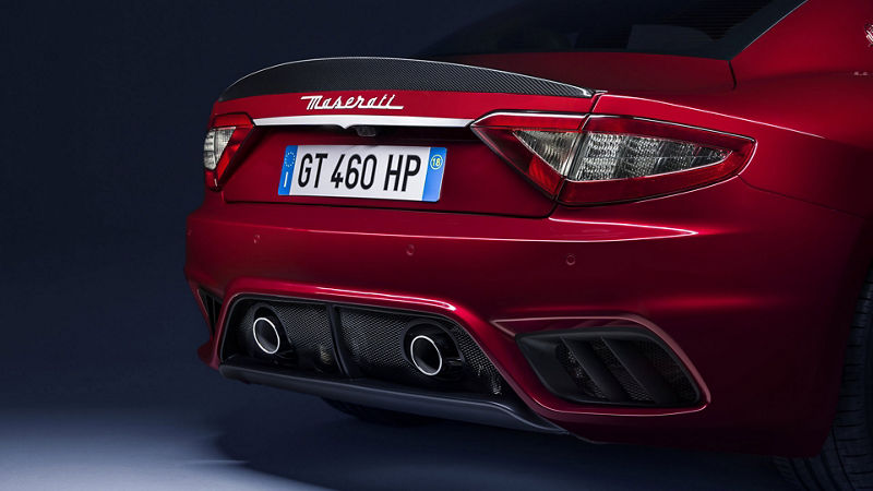 Maserati GranTurismo - Rot - Rückansicht und Auspuff