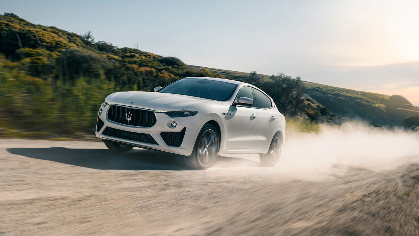 Maserati Levante GTS – Bianco color, on the road
