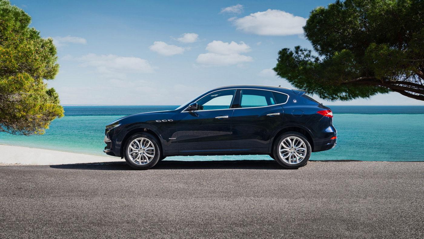 Maserati Levante - GranLusso - the SUV in a seaside landscape