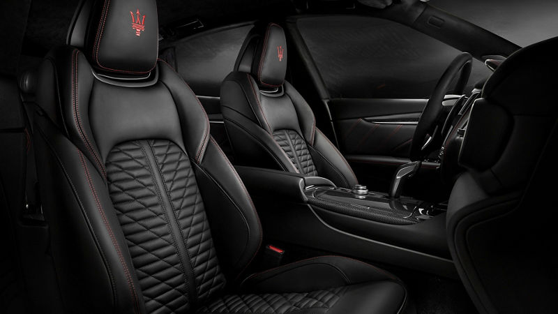 Maserati Levante GranSport interiors, front seats