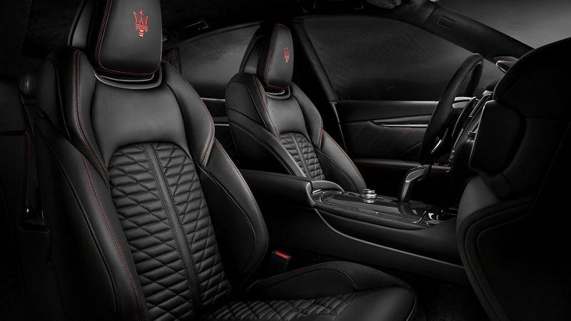Maserati Levante GranSport interiors, front seats