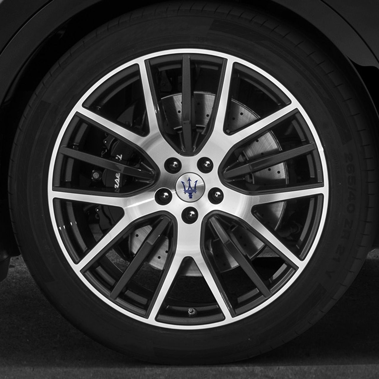 Maserati Levante - alloy wheel with Trident's Logo