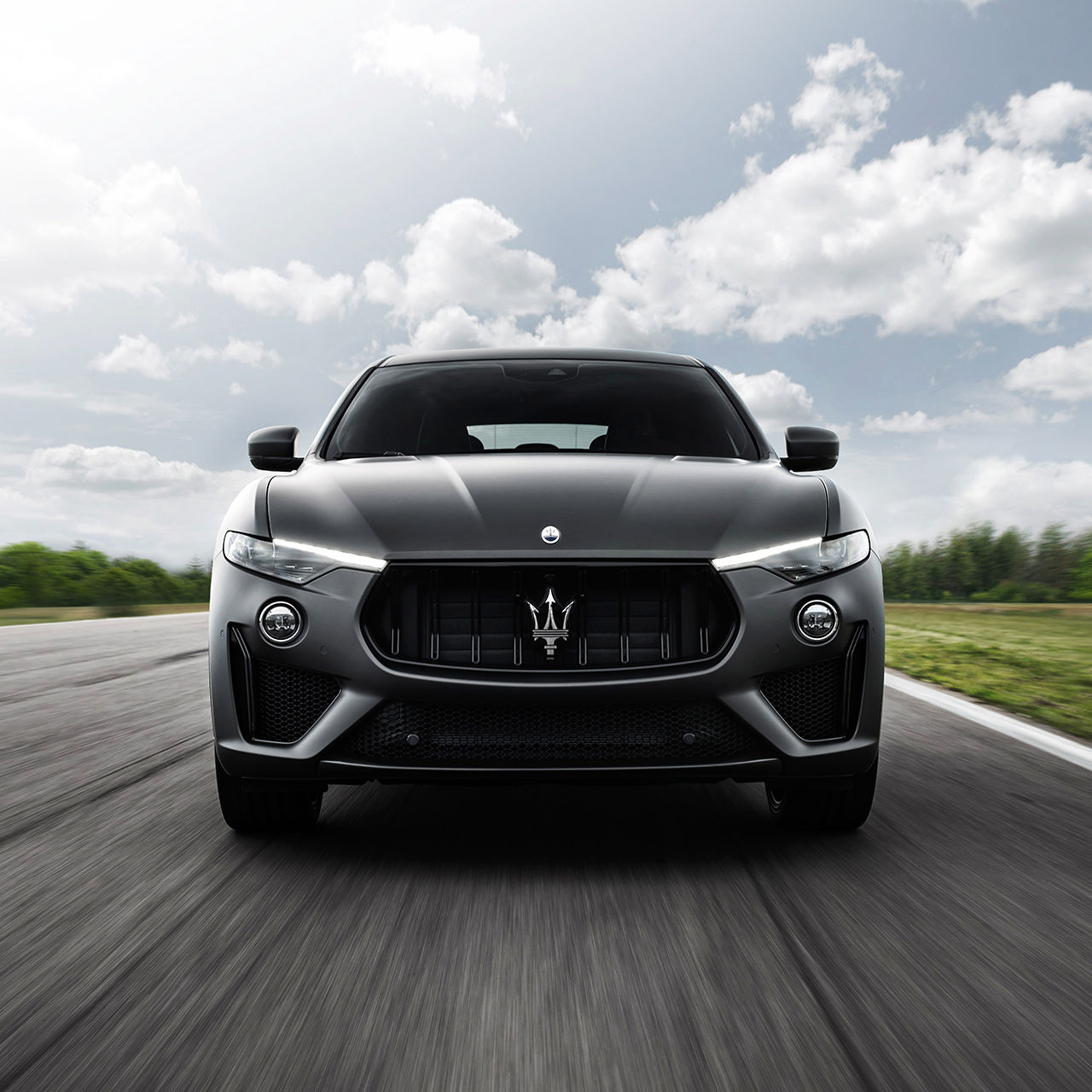 Maserati Levante Trofeo – the luxury SUV from front