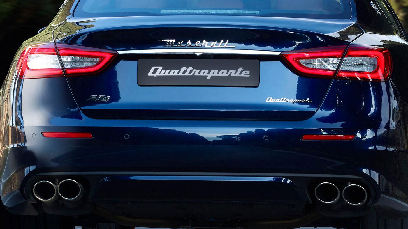 Maserati Quattroporte - Blau - von hinten