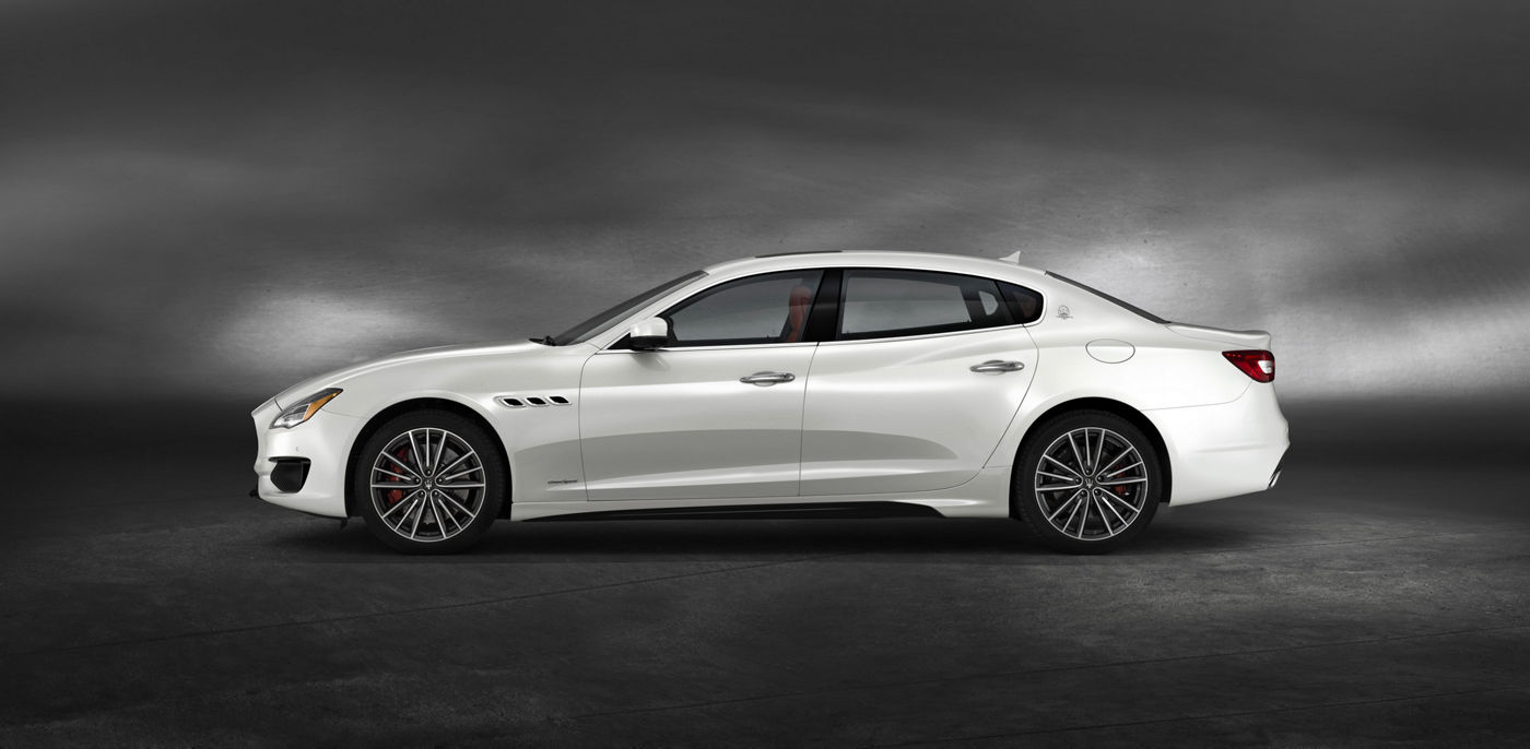 The flagship Quattroporte GTS – Bianco color, side view