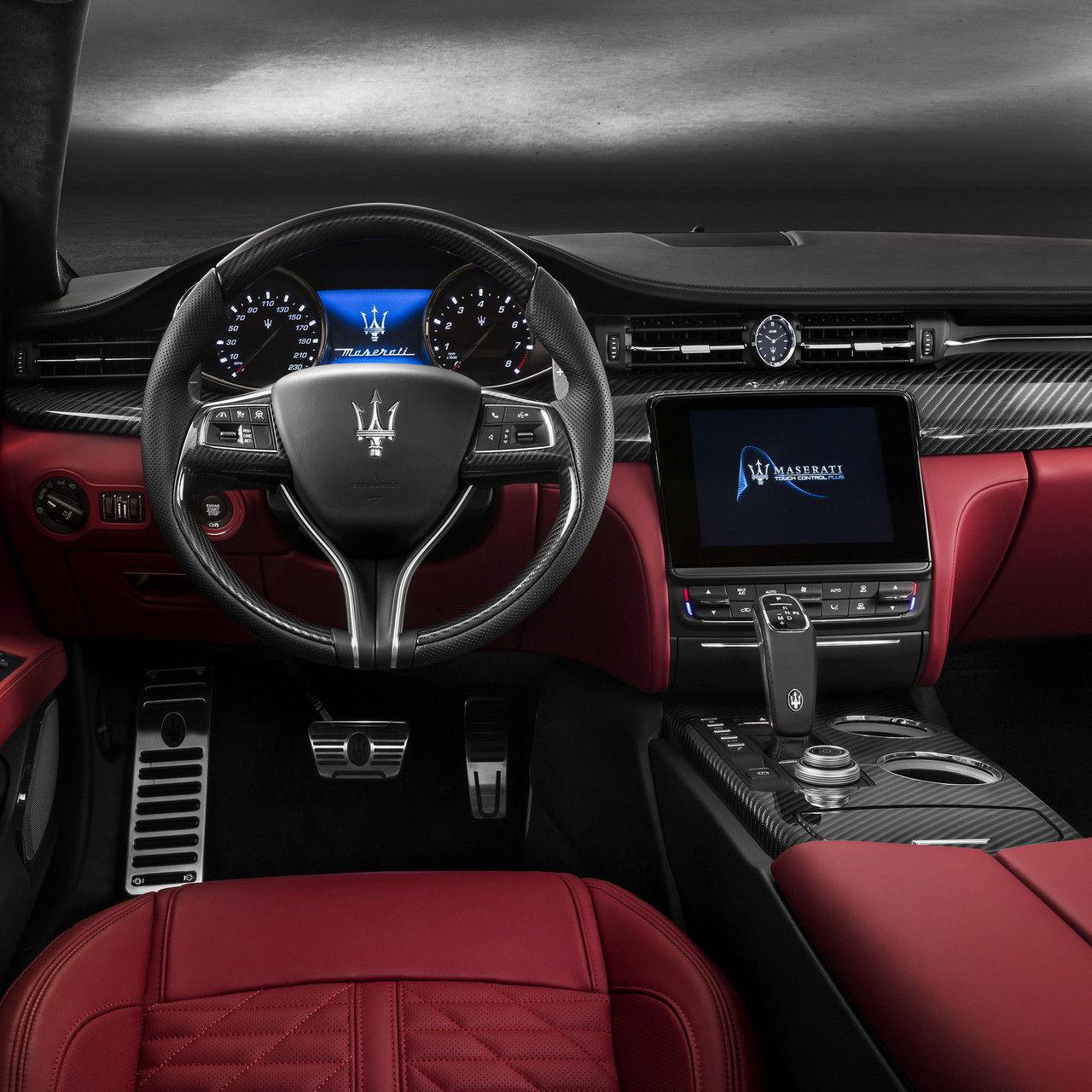 Maserati Quattroporte - Design volant et intérieurs - Rosso