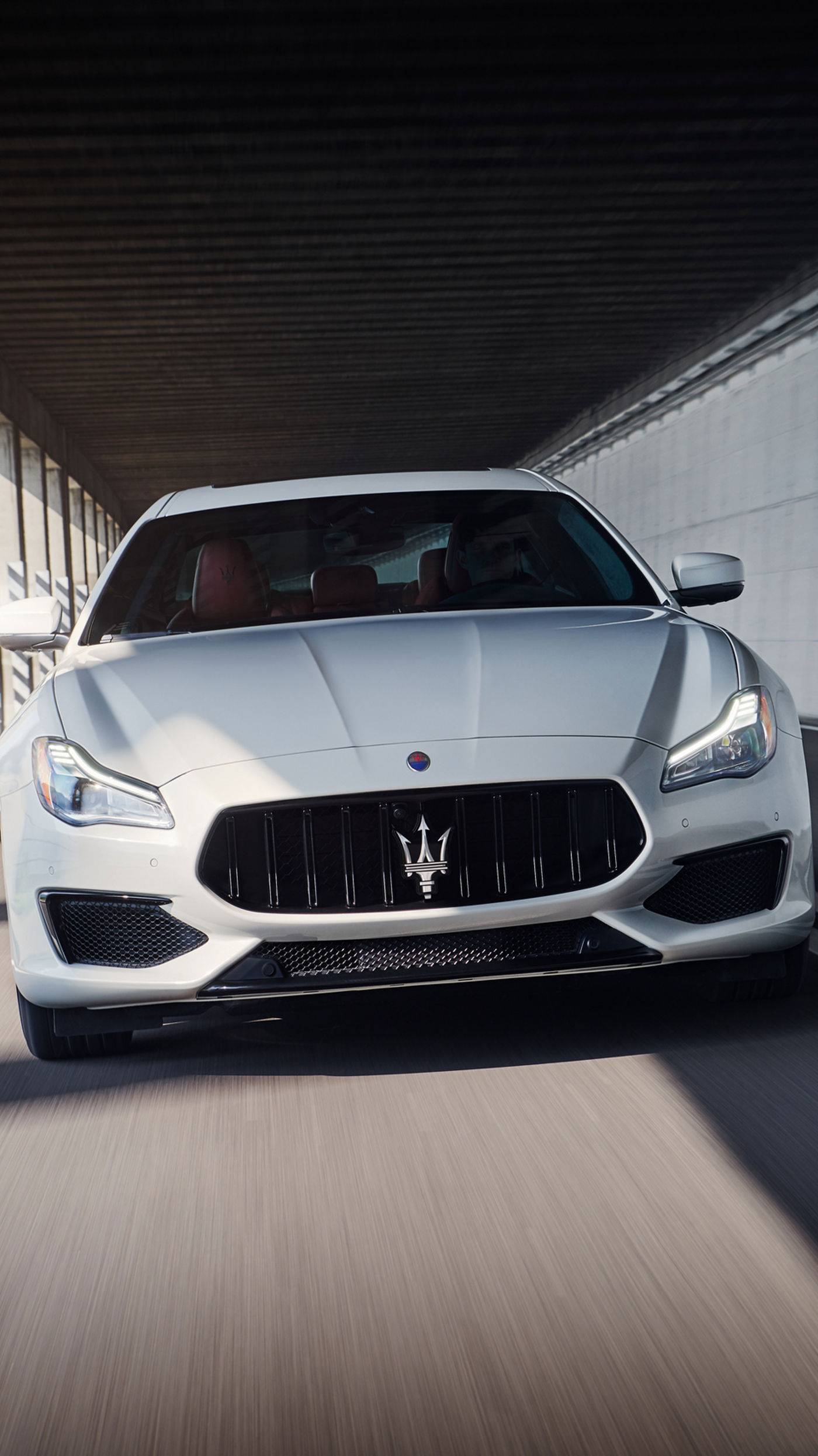 Quattroporte GTS –on the road, front view