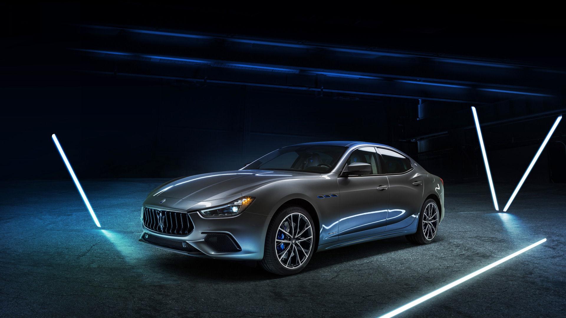 Maserati Ghibli Hybrid - Grau - Schwarzer Hintergrund