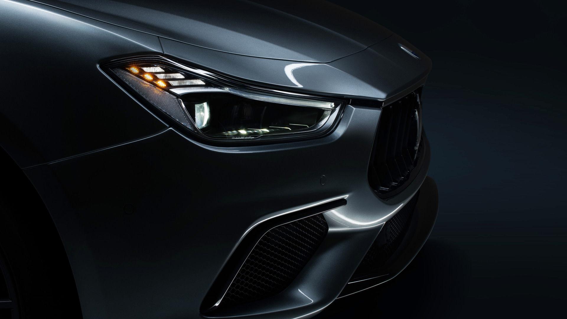 Maserati Ghibli - Grau - Kühlergrill und Scheinwerfer