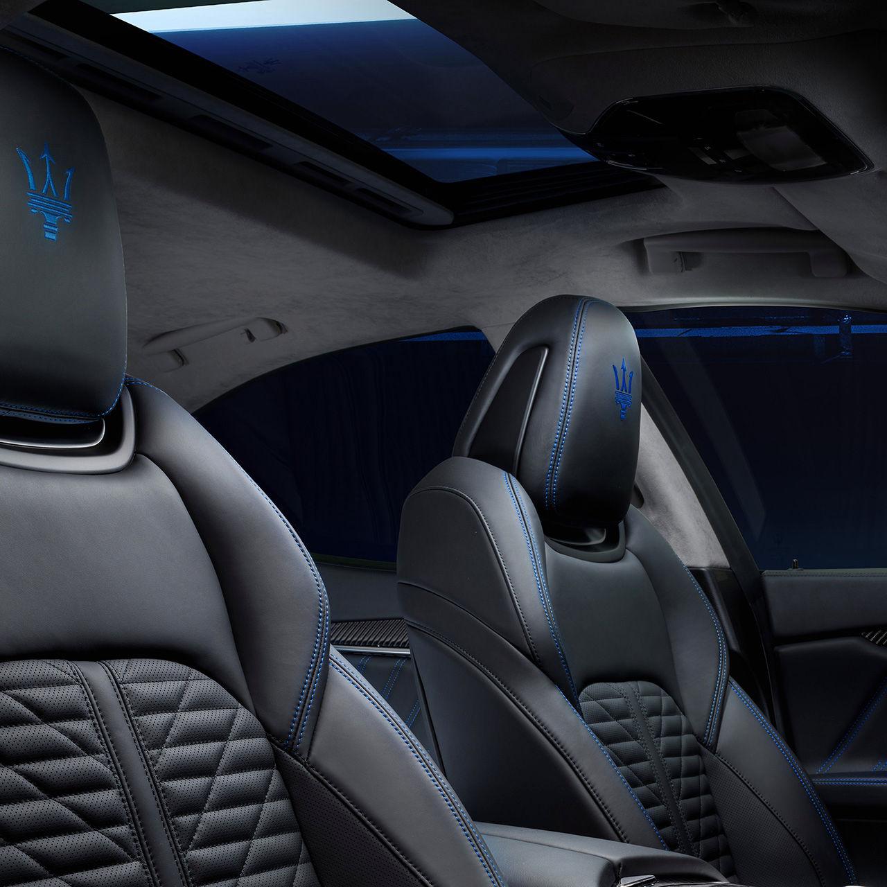 Maserati Ghibli - Design - Interieur - Vordersitze - Nahaufnahme