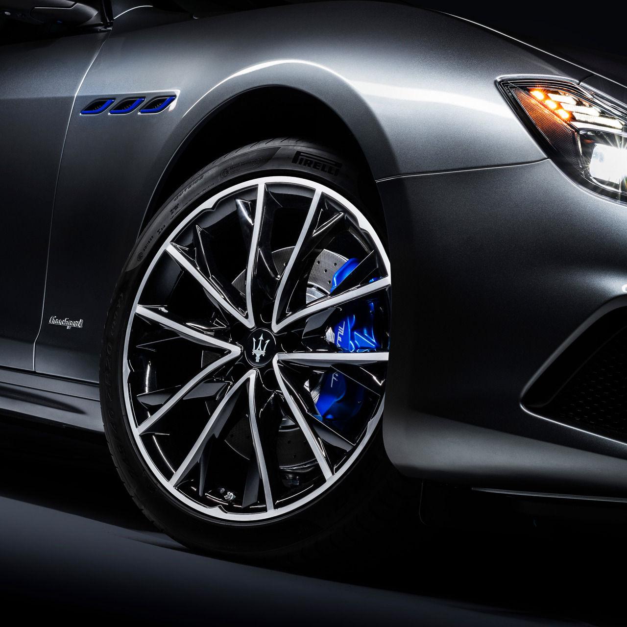 Maserati Ghibli - Felgen und Bremsscheibe - Grau