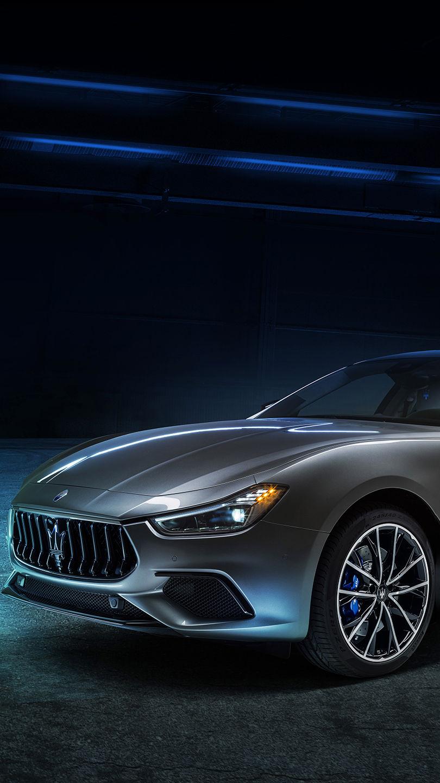 Maserati Ghibli Hybrid - Grau - seitliche Frontansicht
