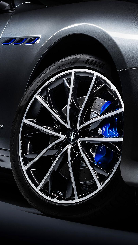 Maserati Ghibli - Felgen und blaue Bremsscheibe