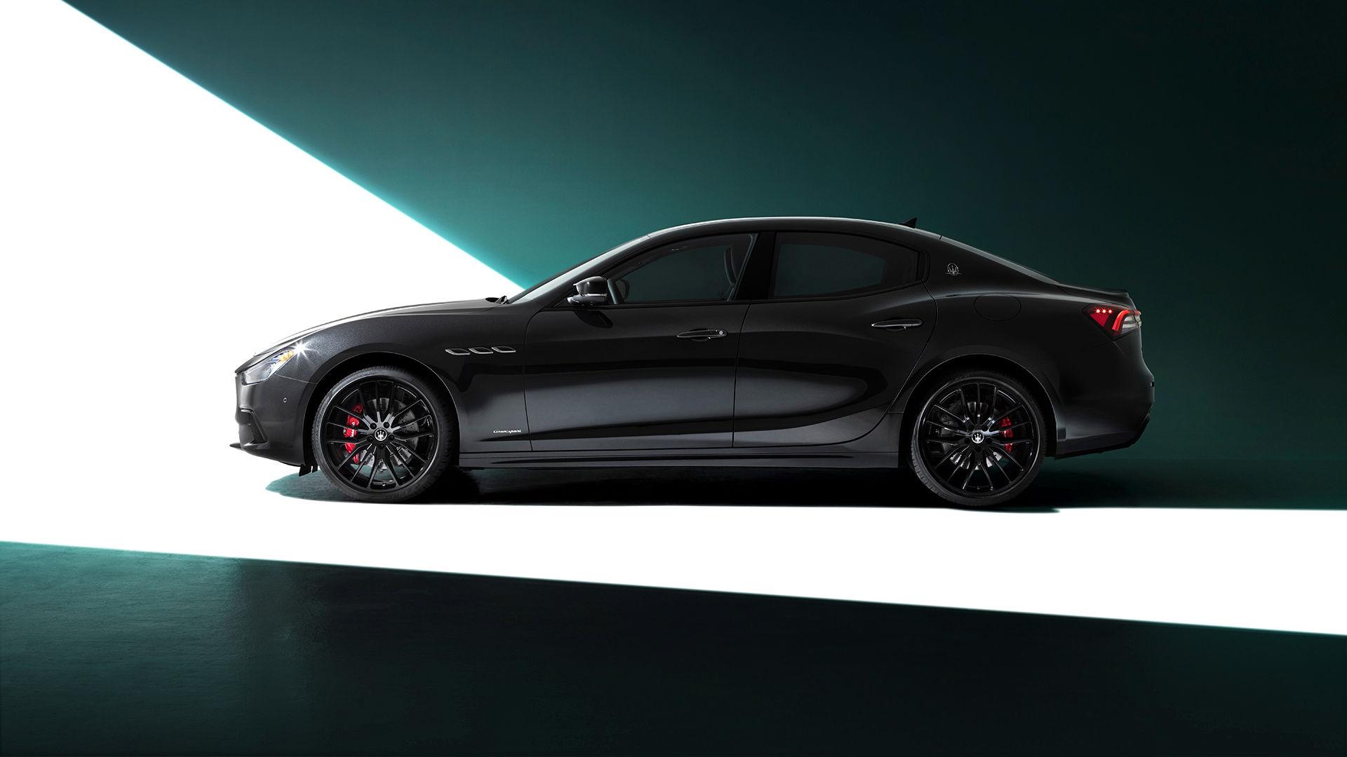 Maserati Ghibli - Gewichtsverteilung von 50:50 - Von der Seite