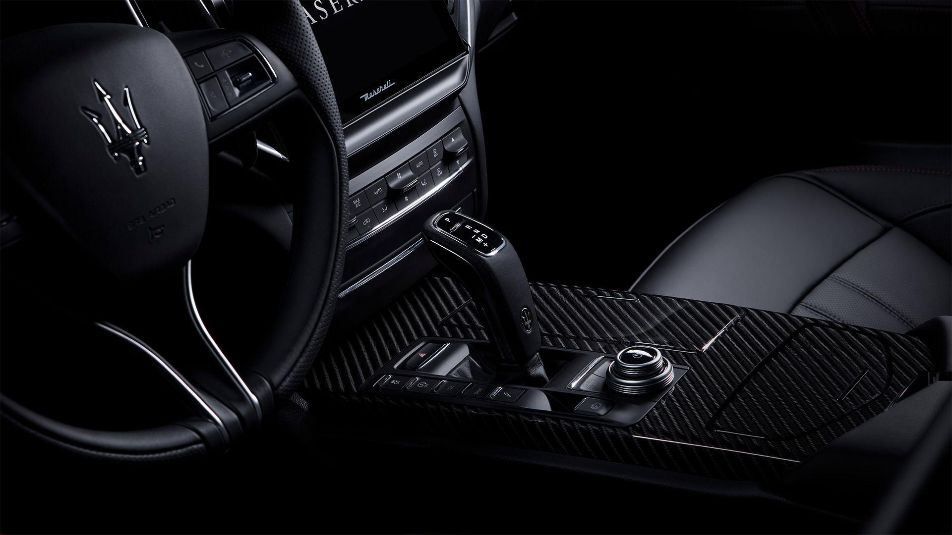 Maserati Ghibli - ZF 8-Gang-Automatikgetriebe - Schwarz