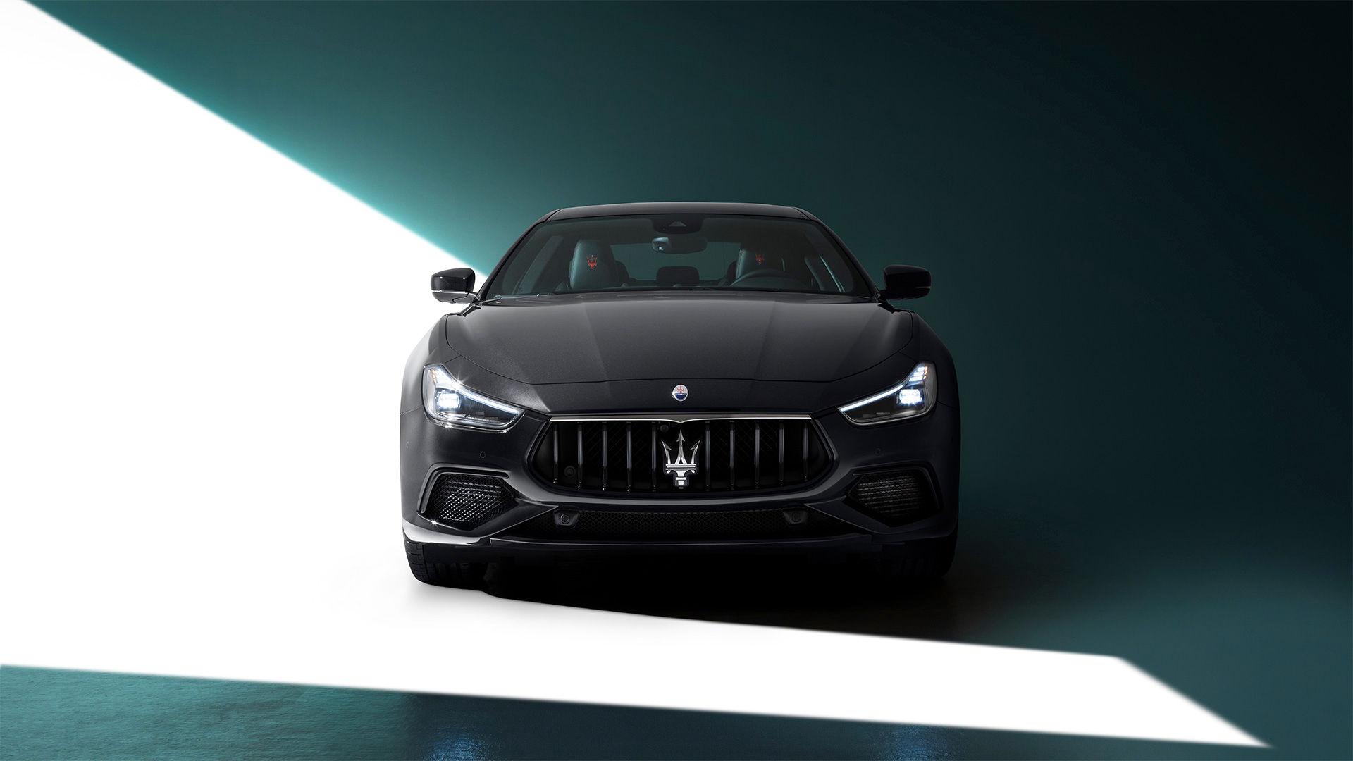 Maserati Ghibli - Schwarz - Frontansicht