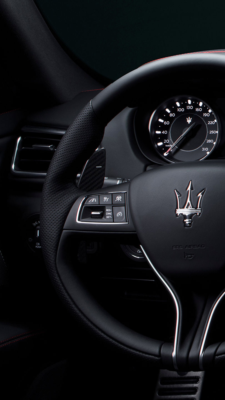 Maserati Ghibli - Lenkrad - Assistenzsysteme