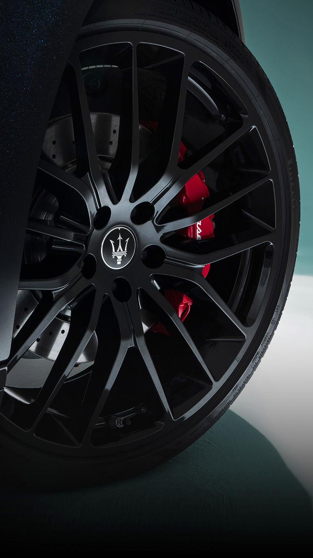 Maserati Ghibli Trofeo - Bremsen und rote Bremssättel
