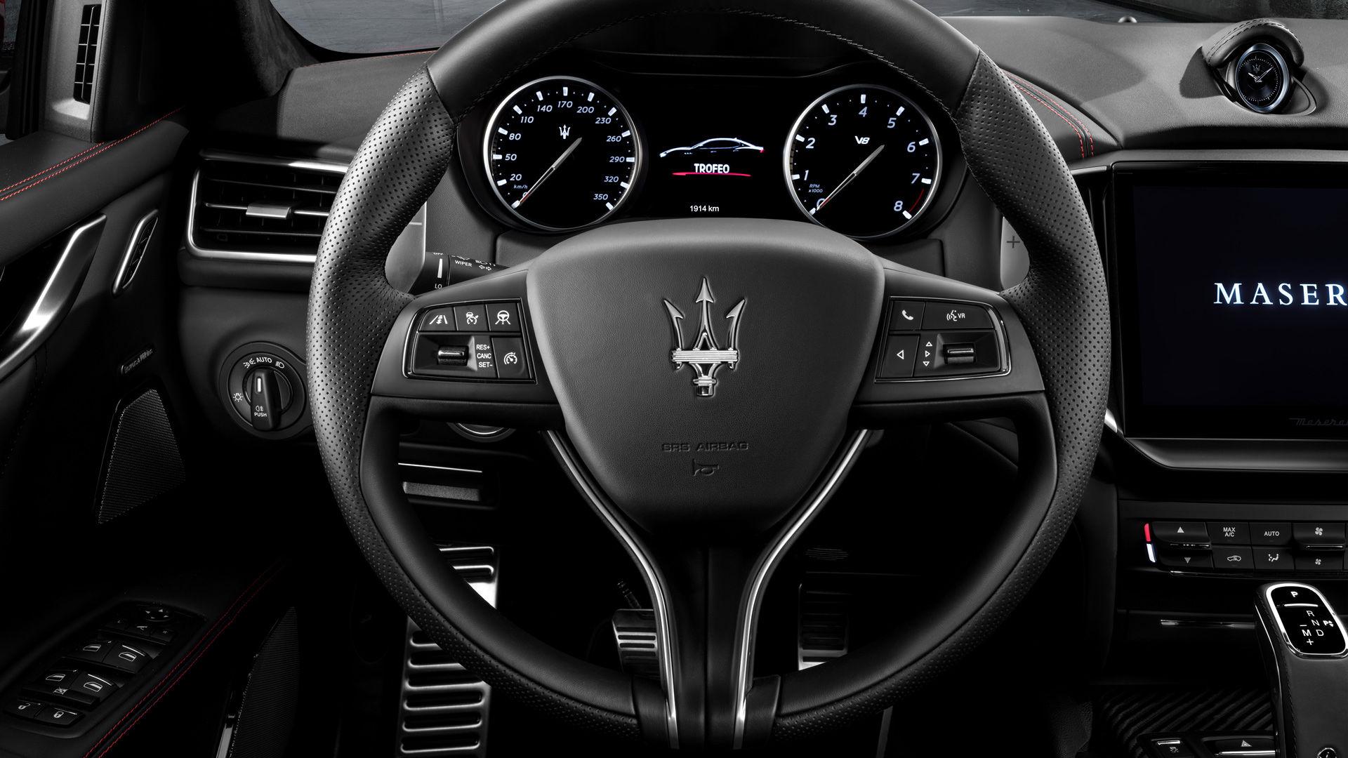 Maserati Ghibli Trofeo - Interieur - Lenkrad