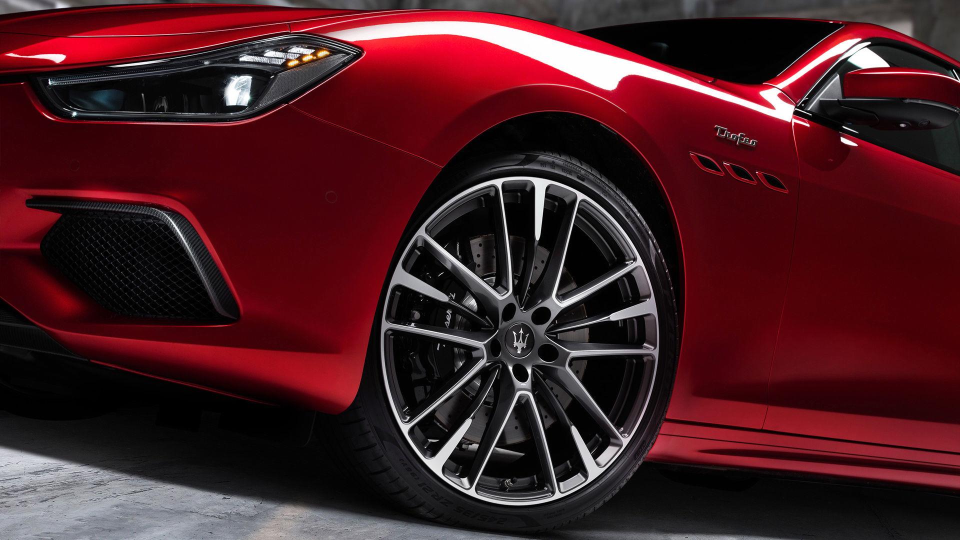 Maserati Ghibli - Rot - Felgen