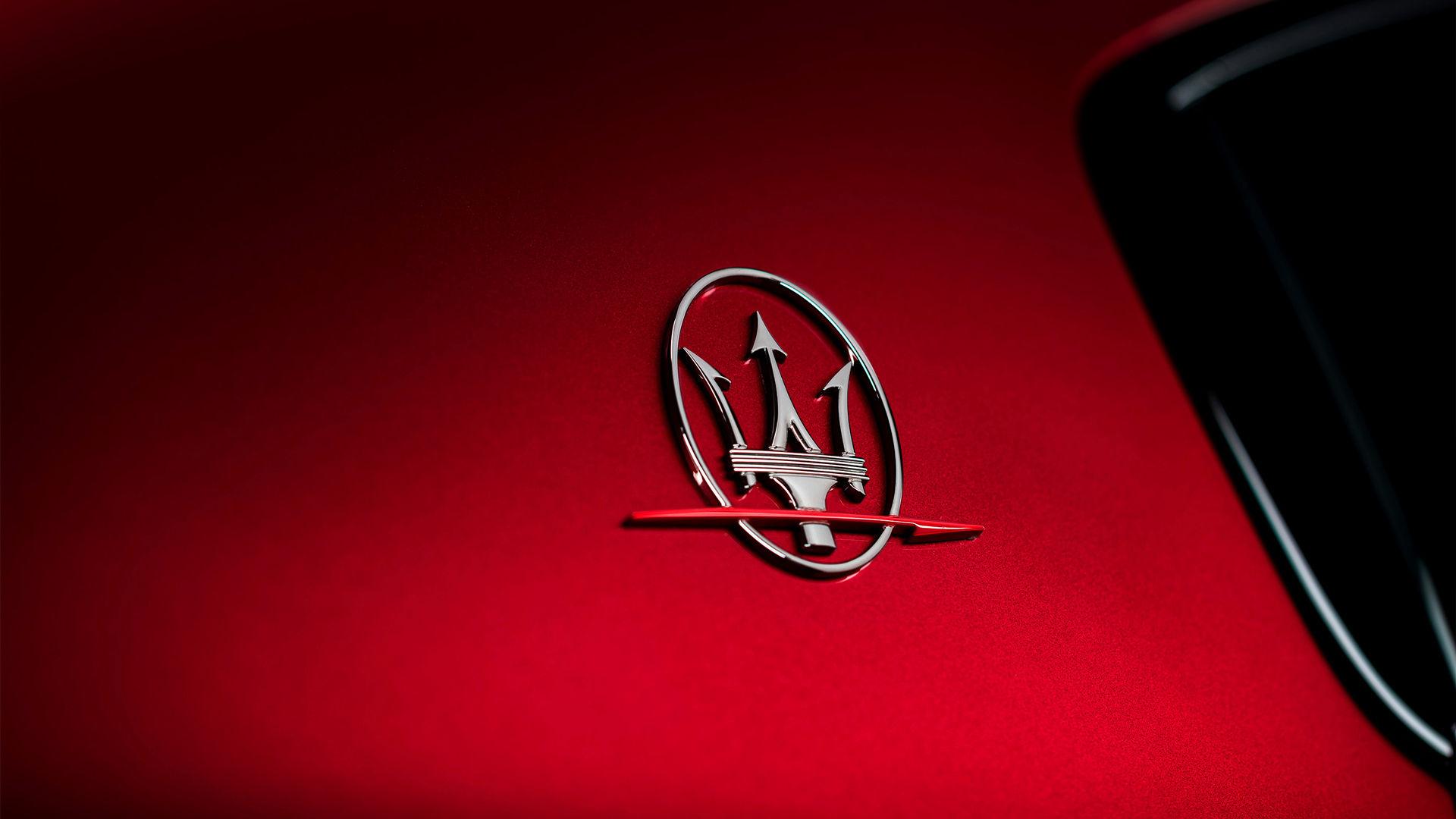 Maserati Ghibli Trofeo - Dreizack Logo
