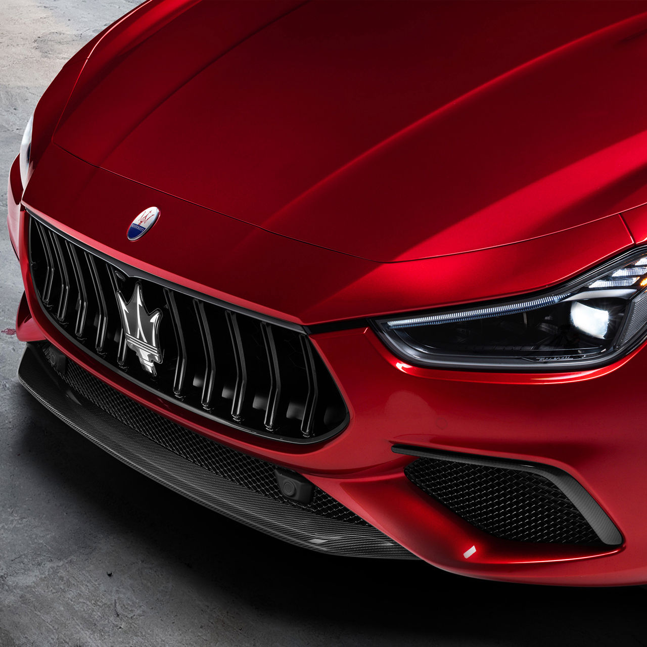 Maserati Ghibli Trofeo - Rot - Detailansicht vorne