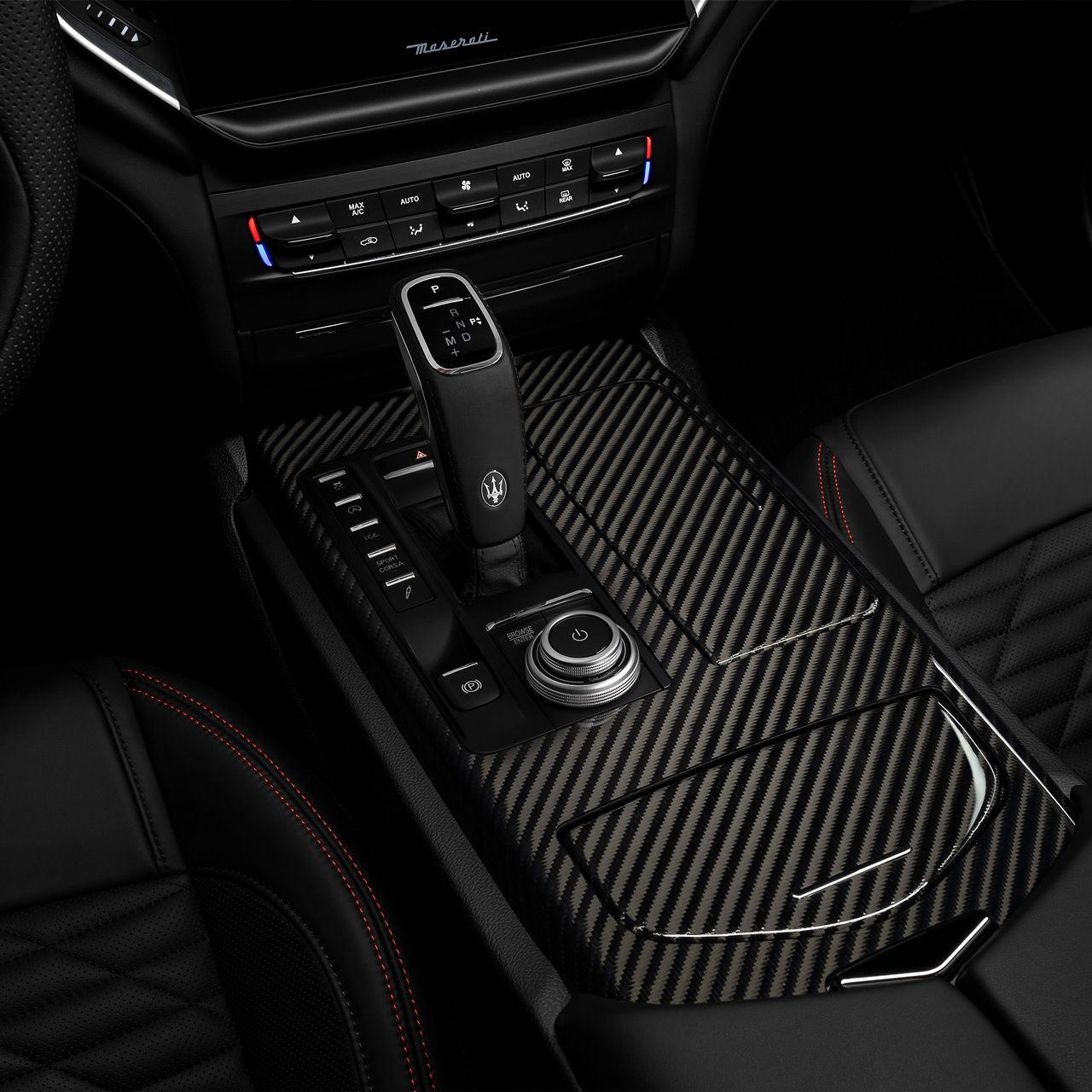 Maserati Ghibli - Interieur - Automatikgetriebe