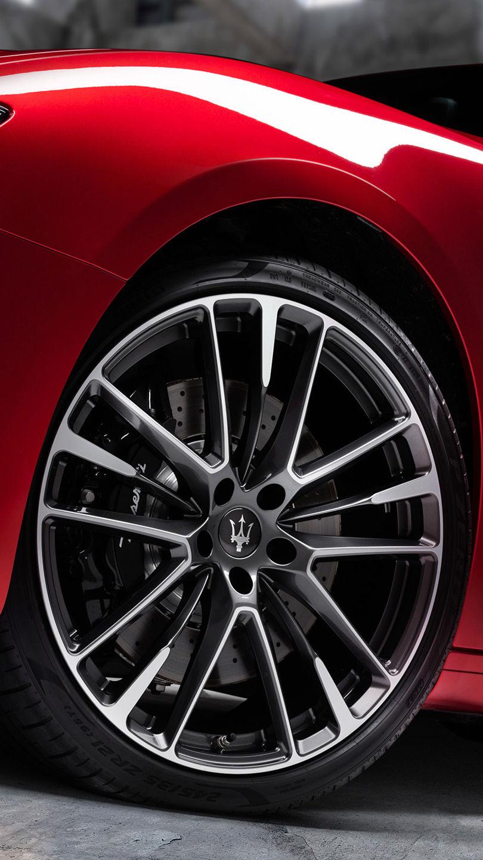 Maserati Ghibli Trofeo - Rot - Detail von Felgen und Bremssattel