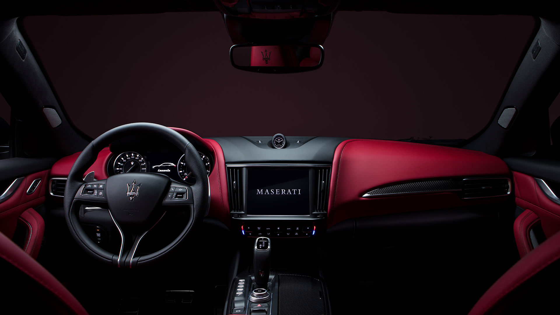 Maserati Levante: Cockpit, Lenkrad und Display
