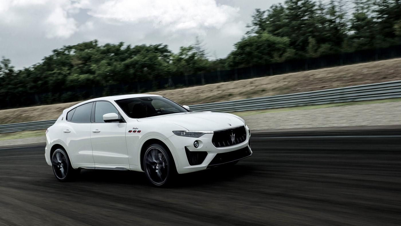 Maserati Levante Trofeo in Weiß: ein schneller SUV
