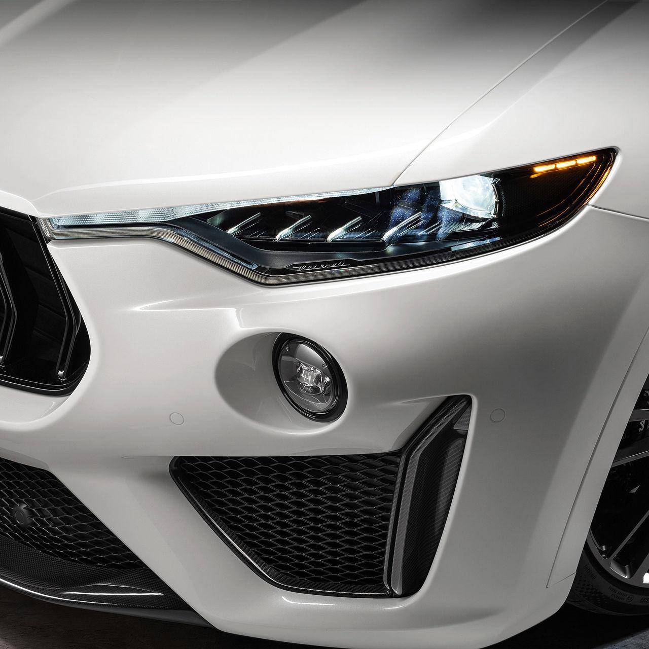 Maserati Levante Trofeo - Weiß - Scheinwerfer vorne