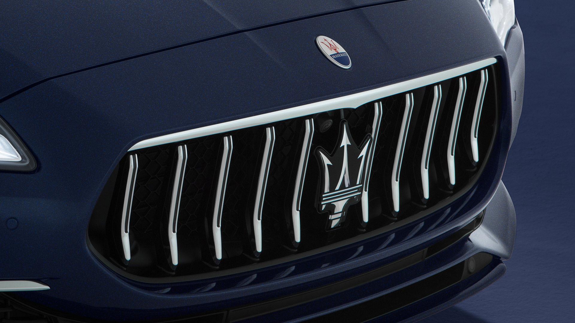 Maserati Quattroporte: Kühlergrill der Sportlimousine