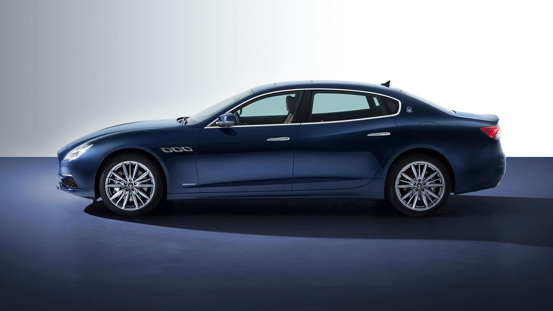 Maserati Quattroporte in Blau - Luxus-Sportlimousine