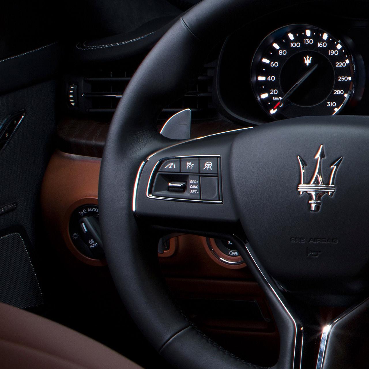Maserati Quattroporte - Fahrerassistenzsysteme
