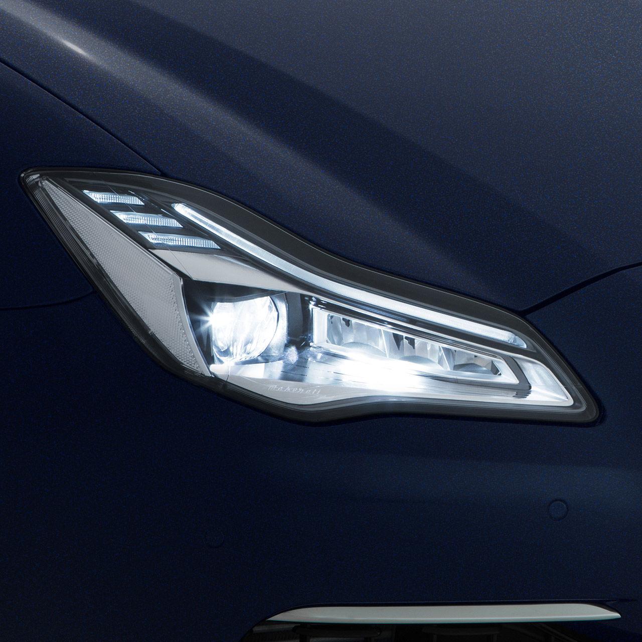 Maserati Quattroporte - Adaptive Voll-LED Matrix-Scheinwerfer