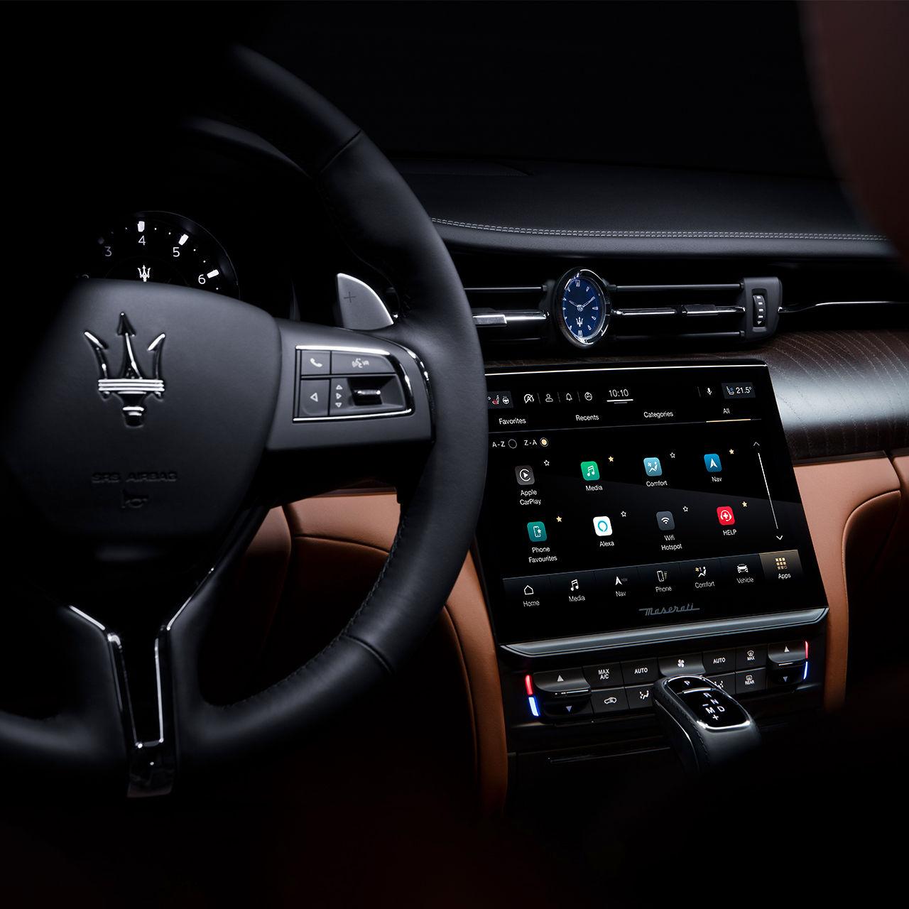 Maserati Quattroporte - Cockpit - Design