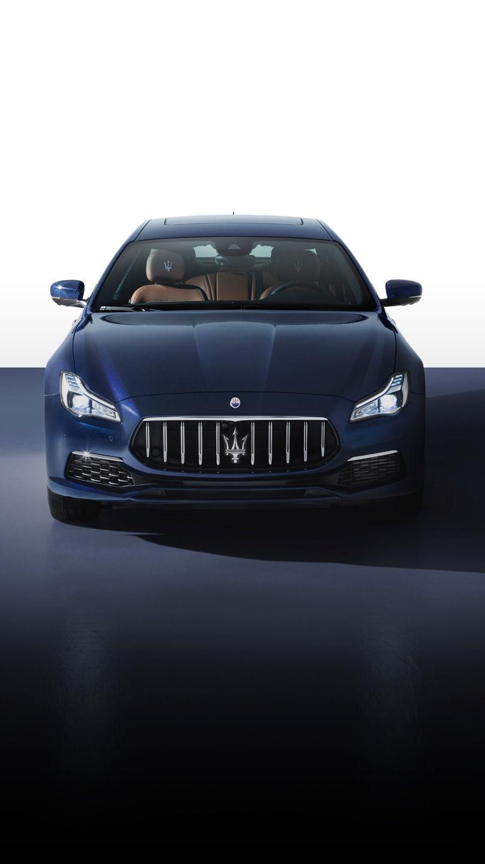 Maserati Quattroporte - Blau - von vorne
